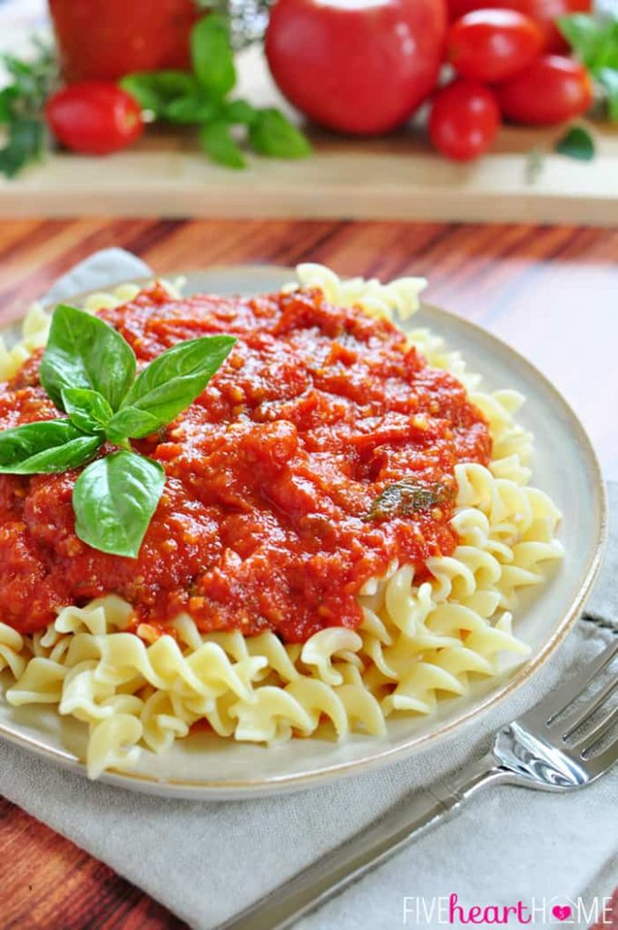 30-Minute-Marinara-Sauce-with-Fresh-Tomatoes-by-Five-Heart-Home