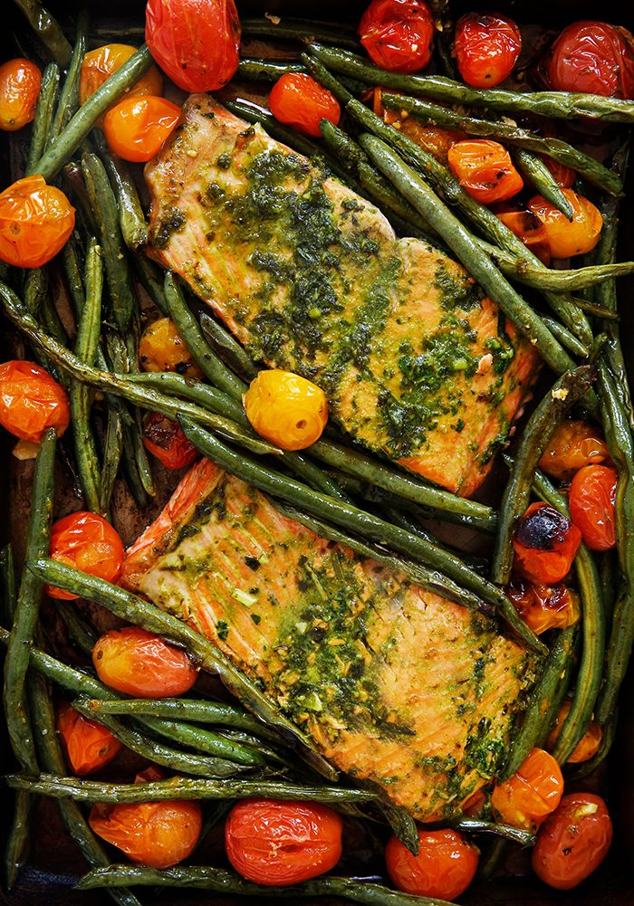 Sheet pan salmon from lexiscleankitchen.com